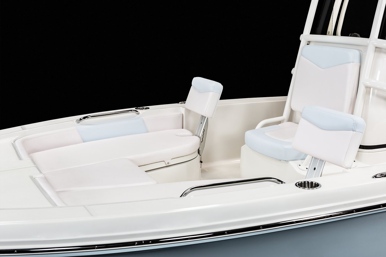 206 Cayman  - Bow Seating
