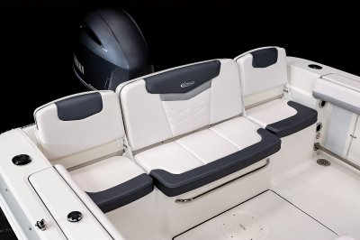 R207 - Transom Seating