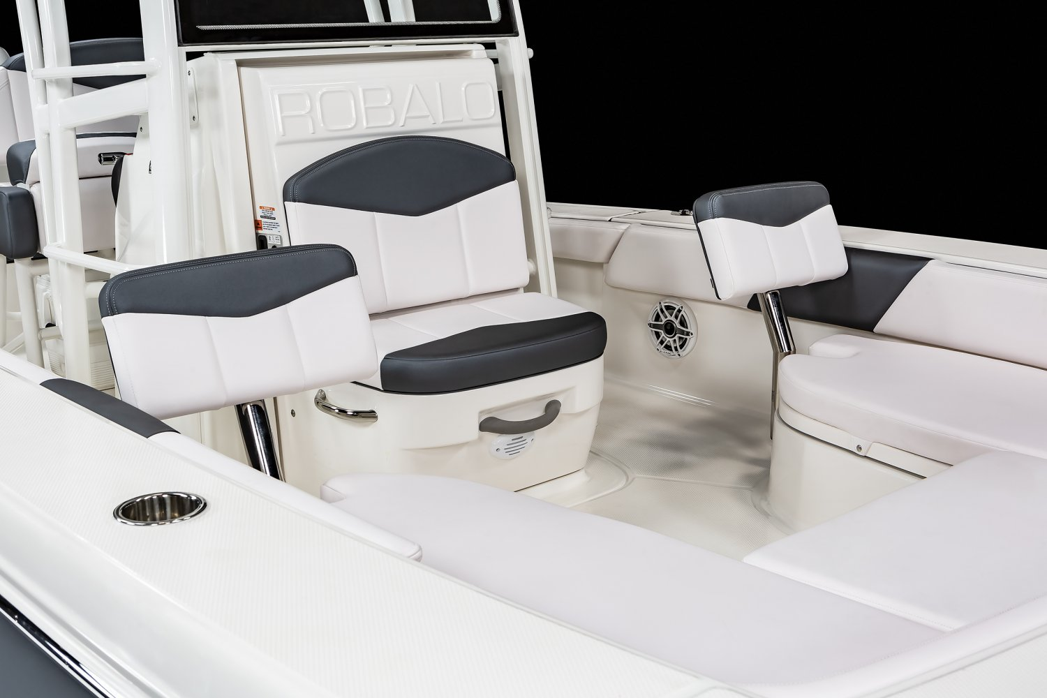 246 Cayman SD - Bow Seating